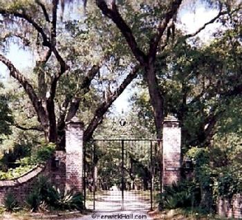 Fenwick Castle Main Gate to River Road.  Photo taken May 1999 by Carol Dawn.